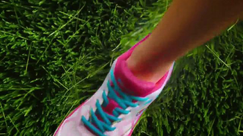 Payless ShoeSource Venta Deportiva Champion TV Spot, 'Colores' [Spanish] - Thumbnail 4