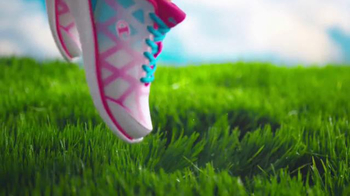 Payless ShoeSource Venta Deportiva Champion TV Spot, 'Colores' [Spanish] - Thumbnail 5