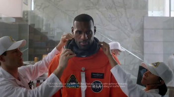 2016 Kia K900 TV Spot, 'Spaceship' Featuring LeBron James - Thumbnail 4