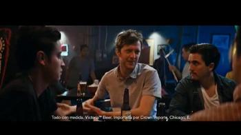 Cerveza Victoria TV Spot, 'Grupo de amigos' [Spanish] - Thumbnail 5