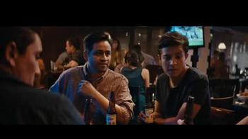 Cerveza Victoria TV Spot, 'Grupo de amigos' [Spanish] - Thumbnail 8