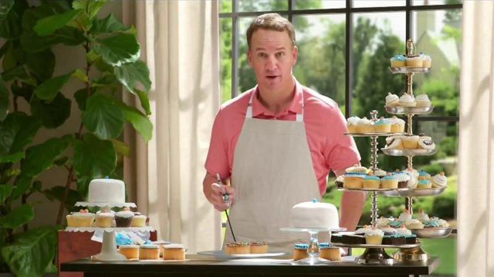 Papa John's TV Commercial, 'Cupcakes' Featuring Peyton Manning, J.J. Watt