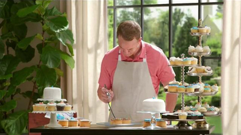Papa John's TV Spot, 'Cupcakes' Featuring Peyton Manning, J.J. Watt - Thumbnail 4