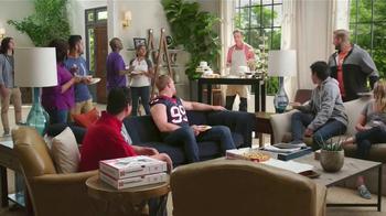Papa John's TV Spot, 'Cupcakes' Featuring Peyton Manning, J.J. Watt - Thumbnail 6