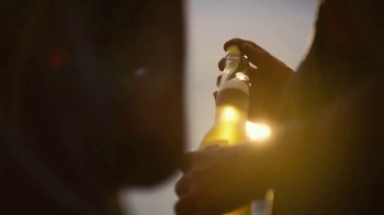 Corona Extra TV Spot, 'Golden Hour' Song by Jesse Woods - Thumbnail 4