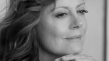 L'Oreal Paris Age Perfect Eye Balm TV Spot, 'Outlook' Feat. Susan Sarandon - Thumbnail 6