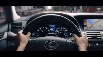 Lexus Golden Opportunity Sales Event TV Spot, 'Hands: Customer Cash' - Thumbnail 4