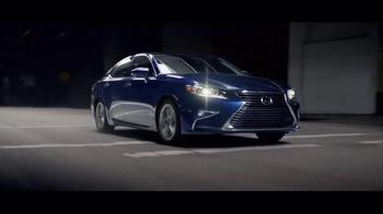 Lexus Golden Opportunity Sales Event TV Spot, 'Hands: Customer Cash' - Thumbnail 6