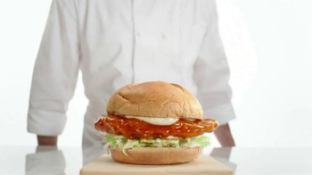 Arby's Buffalo Chicken Sandwich TV Spot, 'Safe Distance' - Thumbnail 8