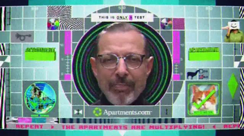 Apartments.com TV Spot, 'Apartment Alert' Featuring Jeff Goldblum - Thumbnail 10