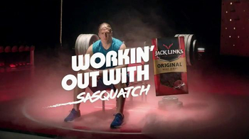 Jack Link's Beef Jerky TV Spot, 'SasquatchWorkout: Bench' Ft Clay Matthews - Thumbnail 1