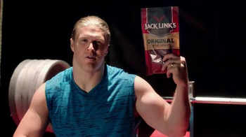 Jack Link's Beef Jerky TV Spot, 'SasquatchWorkout: Bench' Ft Clay Matthews - Thumbnail 6