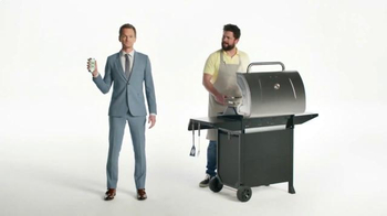 Heineken Light TV Spot, 'The Grill Master' Featuring Neil Patrick Harris - Thumbnail 4