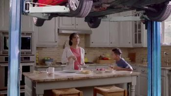 Meineke Car Care Centers TV Spot, 'Kitchen Lift'