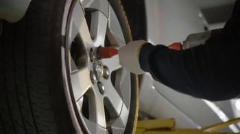 Meineke Car Care Centers TV Spot, 'Kitchen Lift' - Thumbnail 6