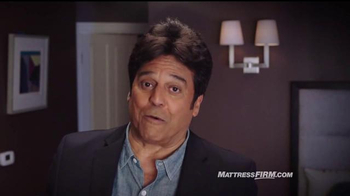 Mattress Firm TV Spot, 'Es hora de reemplazar' con Erik Estrada [Spanish] - Thumbnail 6