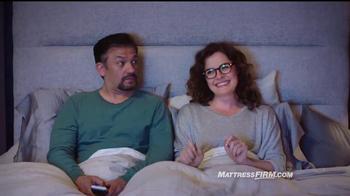 Mattress Firm TV Spot, 'Es hora de reemplazar' con Erik Estrada [Spanish] - Thumbnail 7