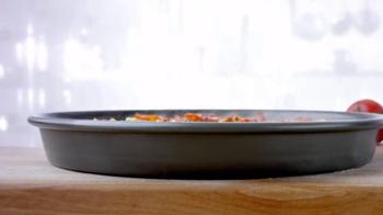 Papa John's Pan Pizza TV Spot, 'Thick, Cheesy, Golden Brown' - Thumbnail 2