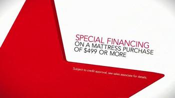 Macy's Columbus Day Mattress Sale TV Spot, 'Sealy, Serta and Financing' - Thumbnail 7