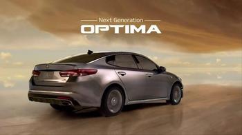 2016 Kia Optima TV Spot, 'Weatherman' Featuring Blake Griffin - Thumbnail 8