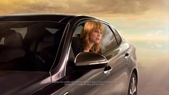 2016 Kia Optima TV Spot, 'Weatherman' Featuring Blake Griffin - Thumbnail 1