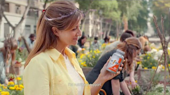 One A Day Women's 50+ Multi-Vitamin TV Spot, 'Healthy Lifestyle' - Thumbnail 6