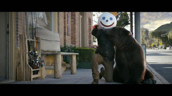 Jack in the Box TV Spot, 'Ataque de oso' [Spanish] - Thumbnail 6