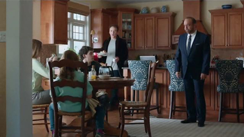CenturyLink High-Speed Internet TV Spot, 'Hair & Makeup' Ft. Paul Giamatti - Thumbnail 9