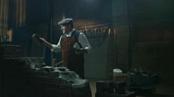 E*TRADE TV Spot, 'Opportunity is Everywhere: Accents' Feat. Kevin Spacey - Thumbnail 5