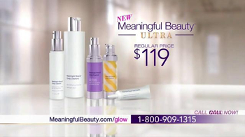 Meaningful Beauty TV Spot, 'Glow' Featuring Cindy Crawford - Thumbnail 8