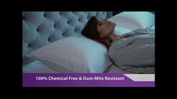 Hotel PlushPillow TV Spot, 'Dream Sleep' Featuring Carol Alt - Thumbnail 5