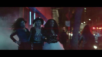 Heineken TV Spot, 'Moderate Drinkers Wanted' Song by Bonnie Tyler - Thumbnail 5