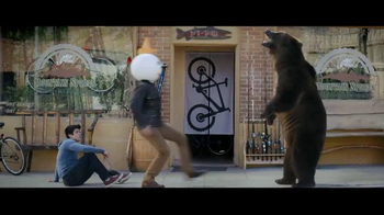 Jack in the Box Breakfast Croissant TV Spot, 'Bear Attack' - Thumbnail 5