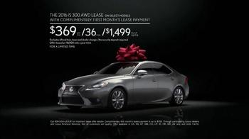 The Lexus December to Remember Sales Event TV Spot, 'Racetrack: IS 300' - Thumbnail 8