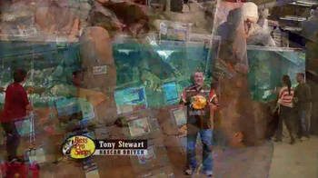 Bass Pro Shops Ring Out the Old, Bring in the New Sale TV Spot, 'Gift Card' - Thumbnail 4