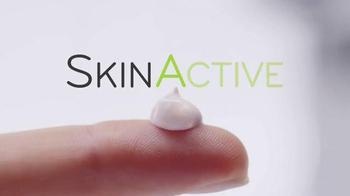 Garnier SkinActive Clearly Brighter TV Spot, 'Brighter Skin' - Thumbnail 1