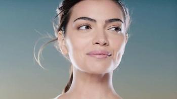 Garnier SkinActive Clearly Brighter TV Spot, 'Brighter Skin' - Thumbnail 3