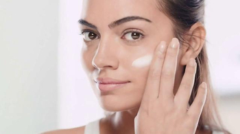 Garnier SkinActive Clearly Brighter TV Spot, 'Brighter Skin'