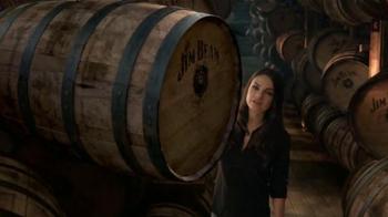 Jim Beam TV Spot, 'Un vistazo adentro' con Mila Kunis [Spanish]