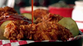 KFC Nashville Hot Chicken TV Spot, 'En fuego' [Spanish] - Thumbnail 2