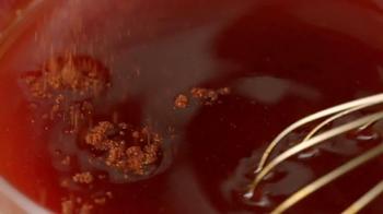 KFC Nashville Hot Chicken TV Spot, 'En fuego' [Spanish] - Thumbnail 3
