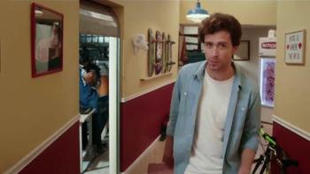 Hot Pockets TV Spot, 'Bienvenido a la casa Hot Pockets' [Spanish] - Thumbnail 2