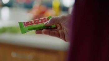 Larabar Apple Pie TV Spot, 'Bar Form' - Thumbnail 2