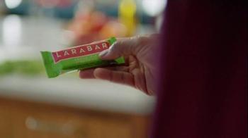 Larabar Apple Pie TV Spot, 'Bar Form' - Thumbnail 3