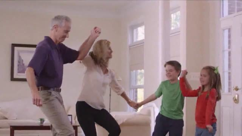 Blue-Emu Continuous Pain Relief Spray TV Commercial, 'Dancing'