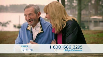 Philips Lifeline TV Spot, 'Peace of Mind' Feat. Betty White & Leeza Gibbons - Thumbnail 4