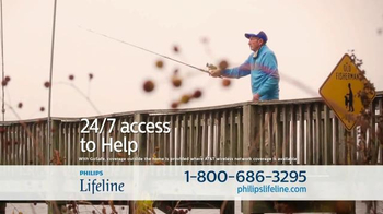Philips Lifeline TV Spot, 'Peace of Mind' Feat. Betty White & Leeza Gibbons - Thumbnail 5