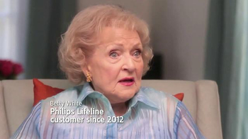 Philips Lifeline TV Spot, 'Peace of Mind' Feat. Betty White & Leeza Gibbons - Thumbnail 6