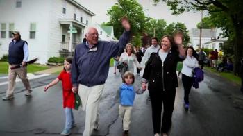 Bernie 2016 TV Spot, 'America' Song by Simon & Garfunkel - Thumbnail 8