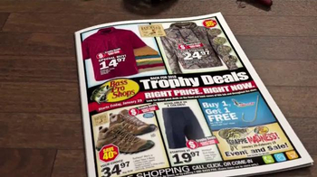 Bass Pro Shops Trophy Deals TV Spot, 'Boats' - Thumbnail 2